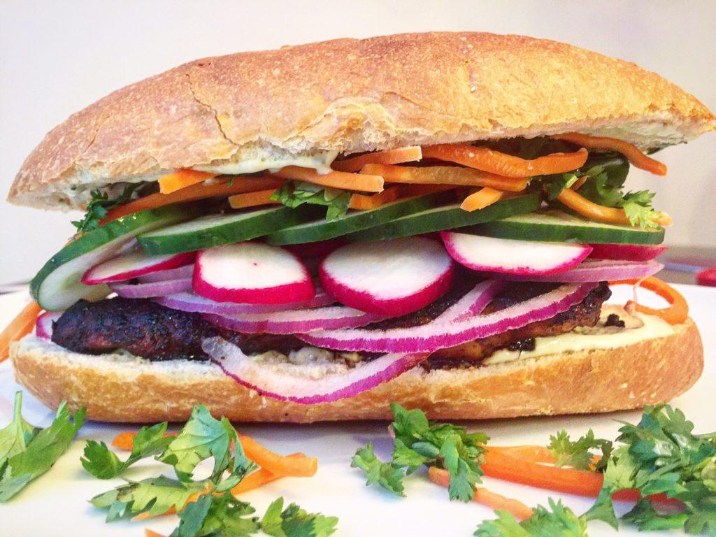 chicken-bahn-mi-sandwich