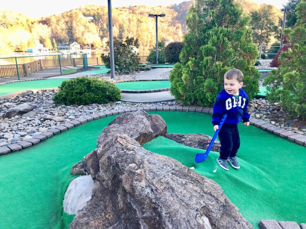 Mini Golf at Rumbling Bald Resort